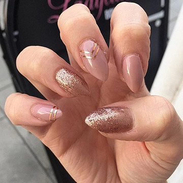 Nude & glitter nails